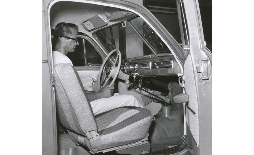 1953 Volvo PV444 - Slide 18