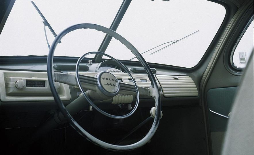 1953 Volvo PV444 - Slide 16