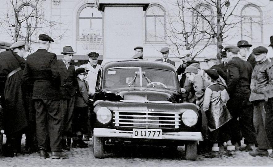 1953 Volvo PV444 - Slide 12