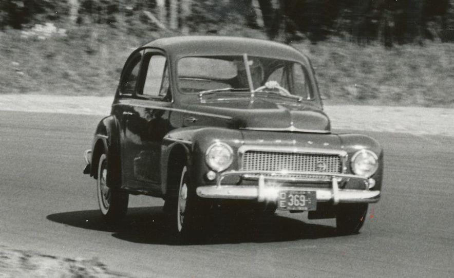 1953 Volvo PV444 - Slide 3