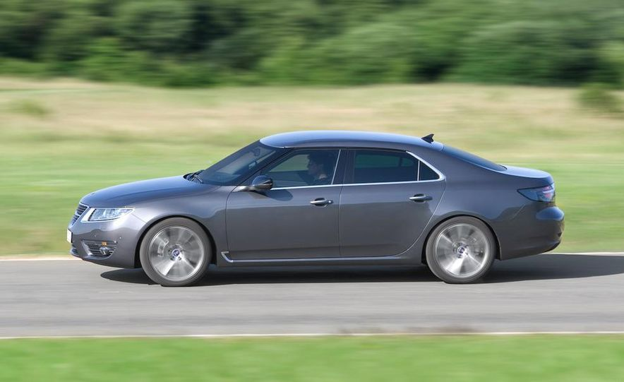 2011 Saab 9-5 (European spec) - Slide 6
