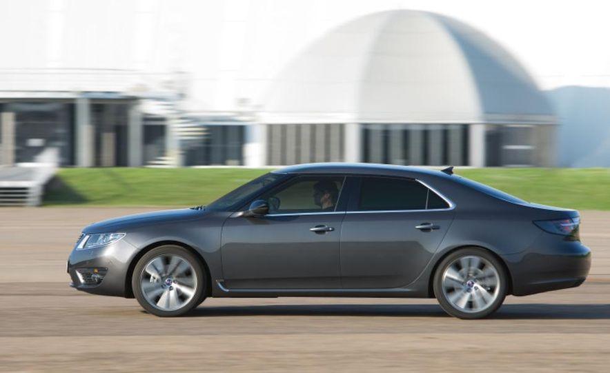 2011 Saab 9-5 (European spec) - Slide 8
