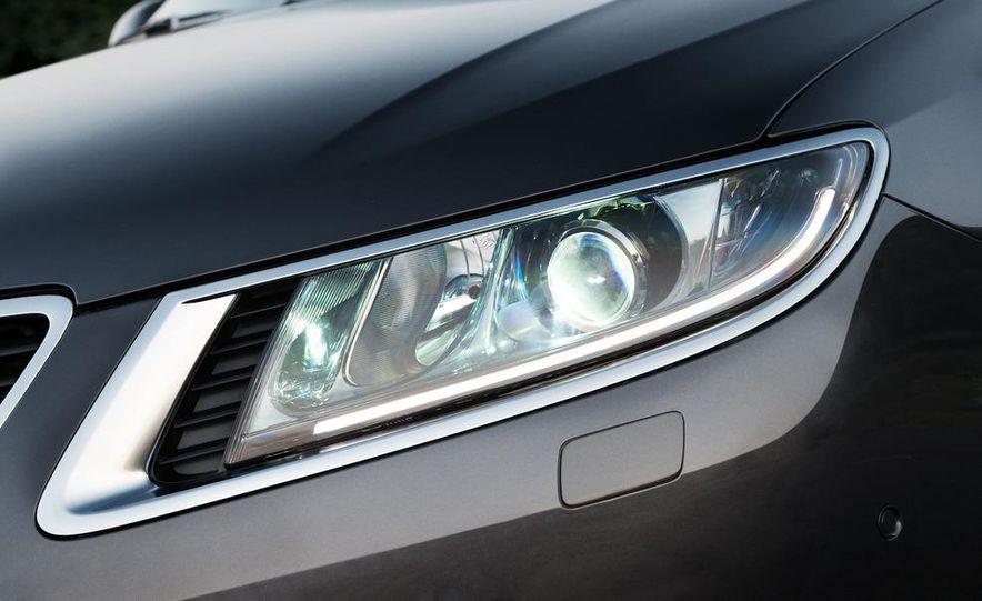 2011 Saab 9-5 (European spec) - Slide 30