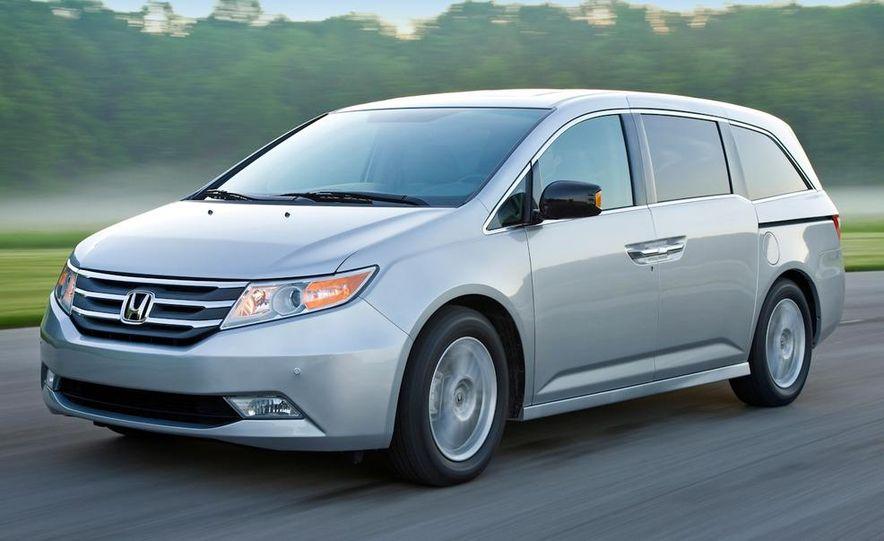 2011 Honda Odyssey Touring - Slide 1