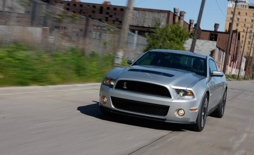 2011 Ford Mustang GT 5.0 coupe - Slide 43
