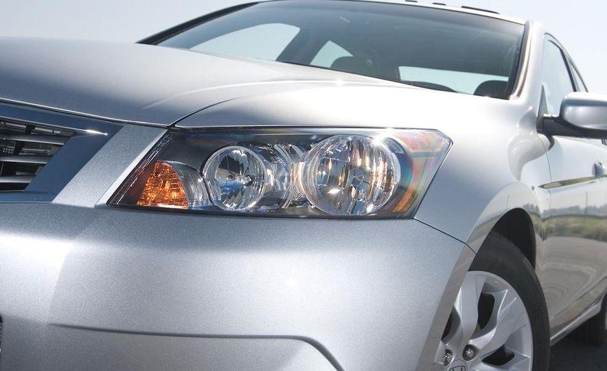 2011 Honda Accord EX-L V-6 coupe - Slide 30