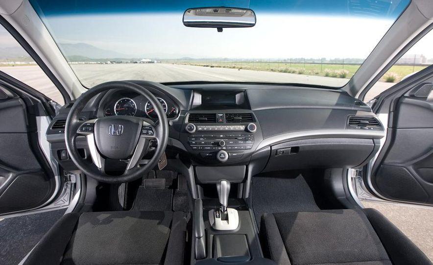 2011 Honda Accord EX-L V-6 coupe - Slide 35