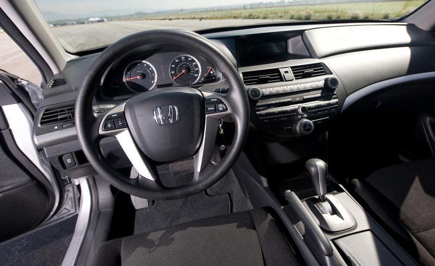 2011 Honda Accord EX-L V-6 coupe - Slide 42