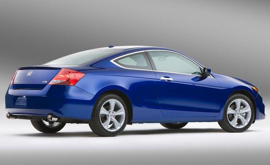 2011 Honda Accord EX-L V-6 coupe - Slide 2