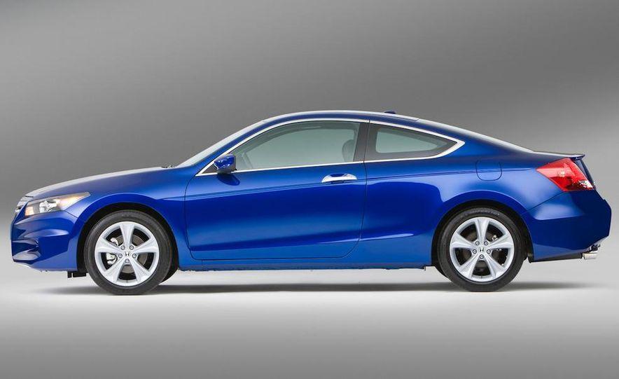 2011 Honda Accord EX-L V-6 coupe - Slide 4