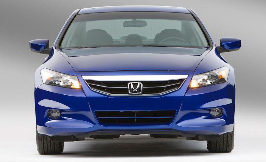 2011 Honda Accord EX-L V-6 coupe - Slide 5