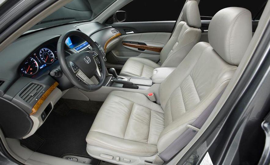 2011 Honda Accord EX-L V-6 coupe - Slide 18