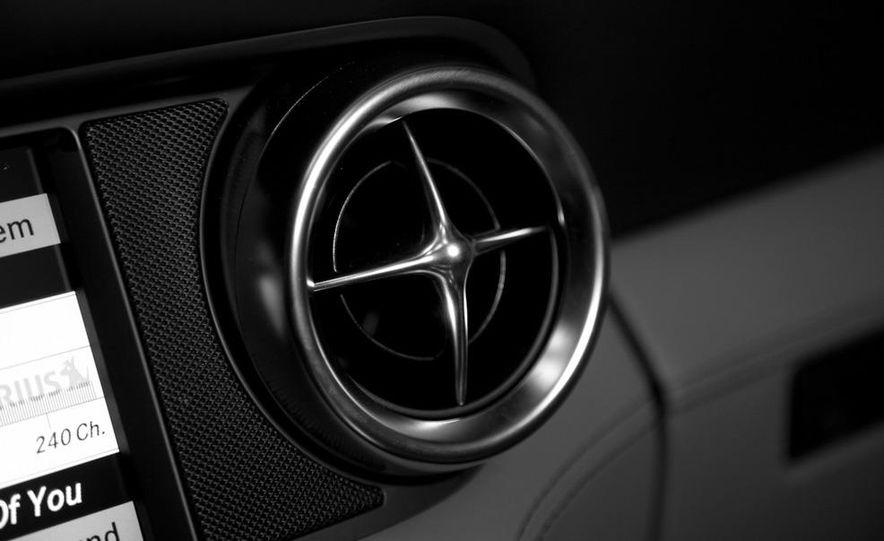 2013 Mercedes-Benz SLS AMG E-CELL - Slide 104