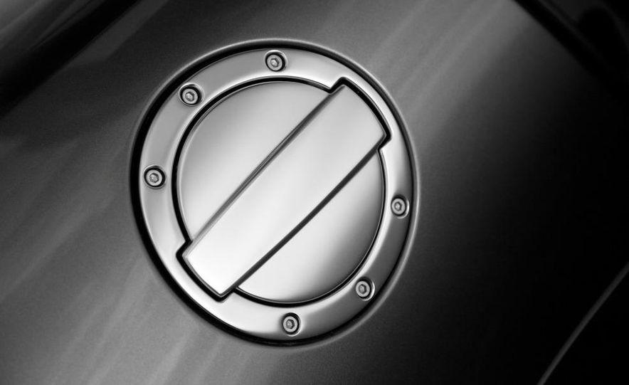 2013 Mercedes-Benz SLS AMG E-CELL - Slide 99