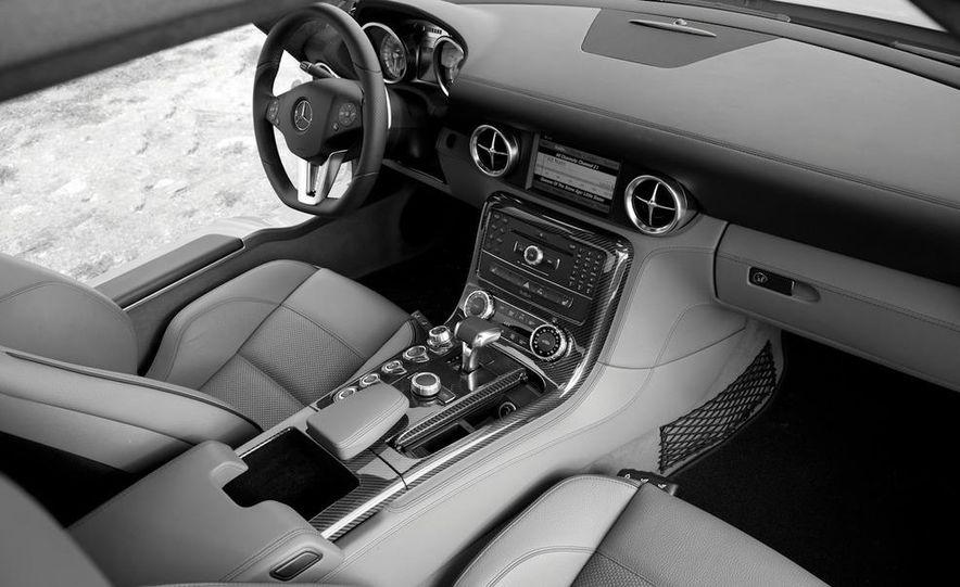 2013 Mercedes-Benz SLS AMG E-CELL - Slide 108