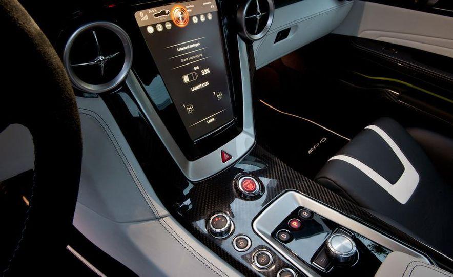 2013 Mercedes-Benz SLS AMG E-CELL - Slide 41