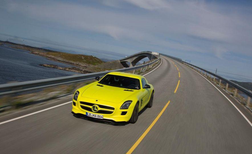 2013 Mercedes-Benz SLS AMG E-CELL - Slide 46