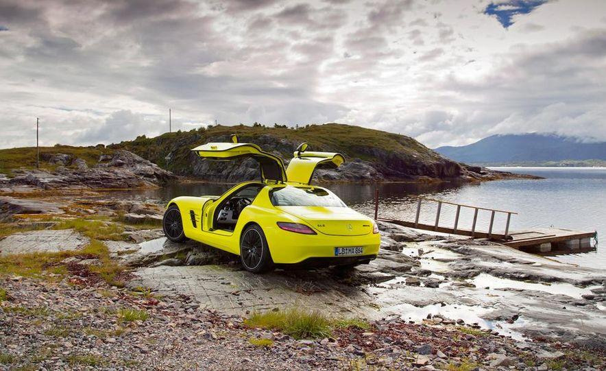 2013 Mercedes-Benz SLS AMG E-CELL - Slide 48
