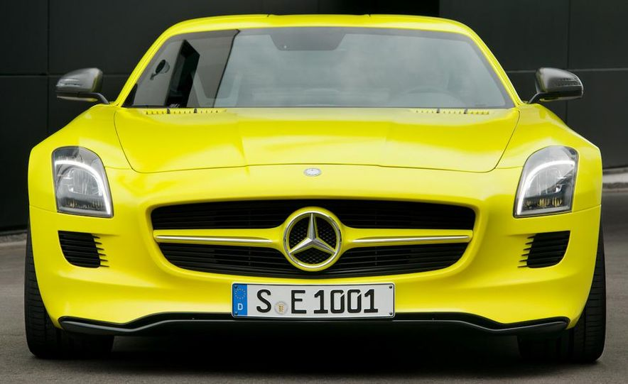 2013 Mercedes-Benz SLS AMG E-CELL - Slide 21
