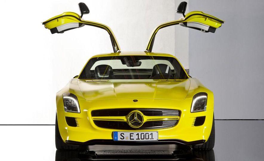 2013 Mercedes-Benz SLS AMG E-CELL - Slide 22