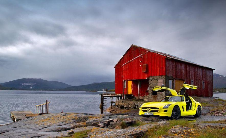 2013 Mercedes-Benz SLS AMG E-CELL - Slide 25