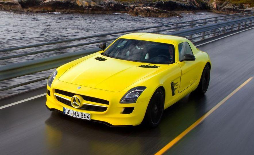 2013 Mercedes-Benz SLS AMG E-CELL - Slide 3