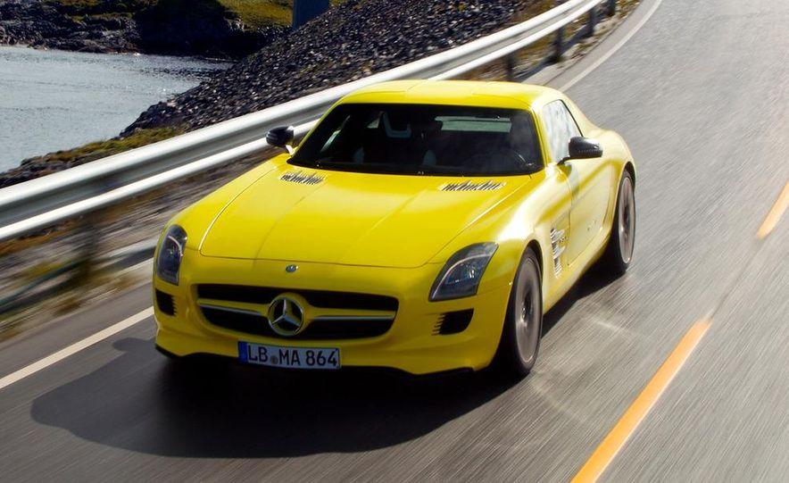 2013 Mercedes-Benz SLS AMG E-CELL - Slide 5