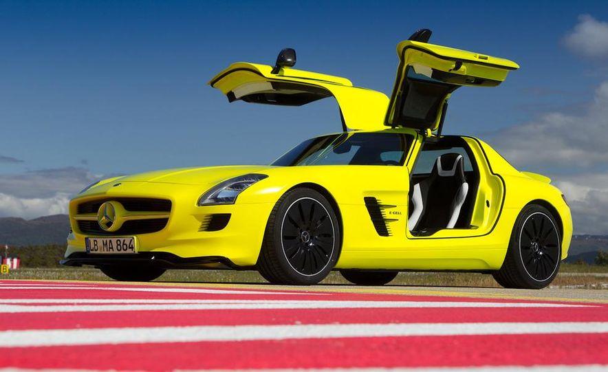 2013 Mercedes-Benz SLS AMG E-CELL - Slide 32