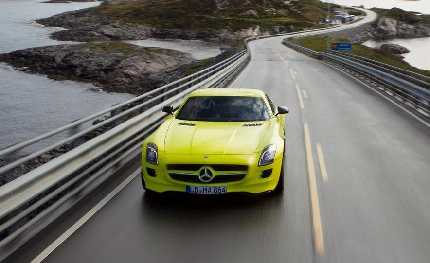 2013 Mercedes-Benz SLS AMG E-CELL - Slide 8