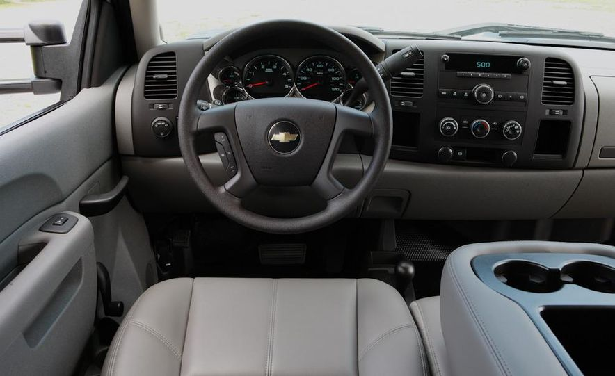 2011 Chevrolet Silverado 2500 Heavy Duty - Slide 41