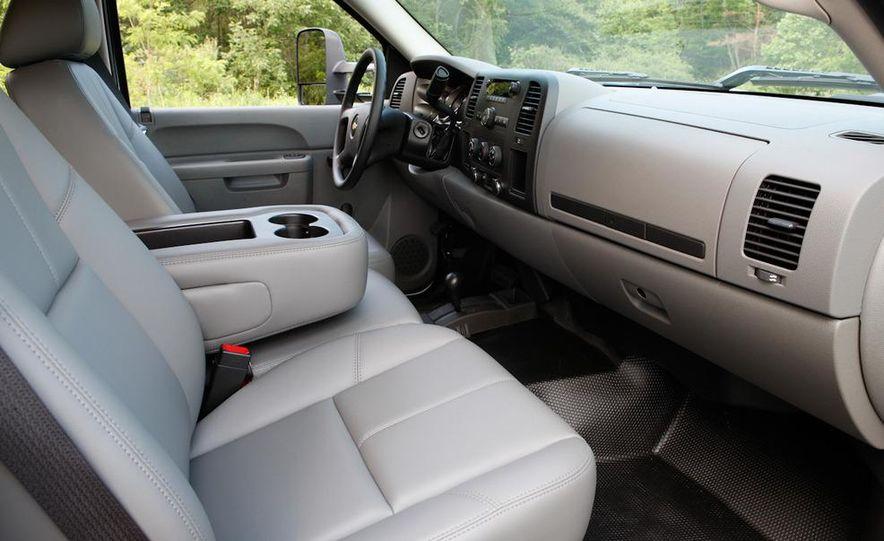 2011 Chevrolet Silverado 2500 Heavy Duty - Slide 42