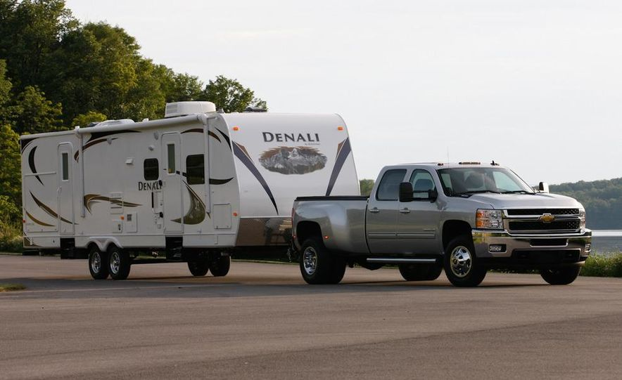2011 Chevrolet Silverado 2500 Heavy Duty - Slide 25