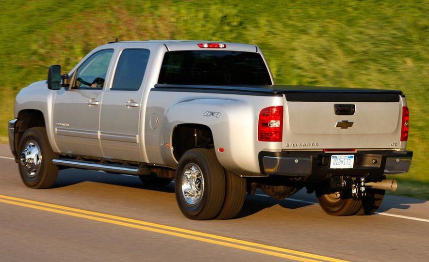 2011 Chevrolet Silverado 2500 Heavy Duty - Slide 31