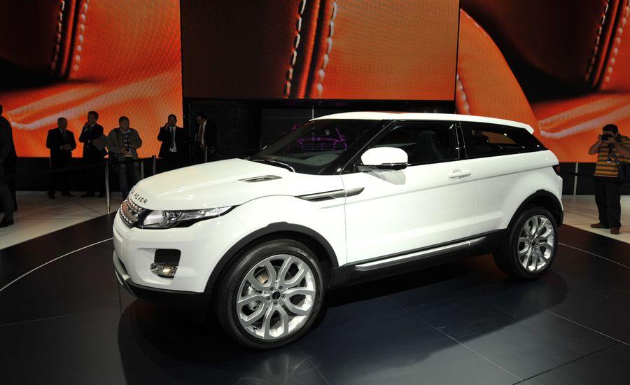https://hips.hearstapps.com/amv-prod-cad-assets.s3.amazonaws.com/images/10q3/357229/land-rover-evoque-news-2012-range-rover-evoque-debuts-car-and-driver-photo-365915-s-original.jpg?crop=1xw:1xh;center,center&resize=900:*