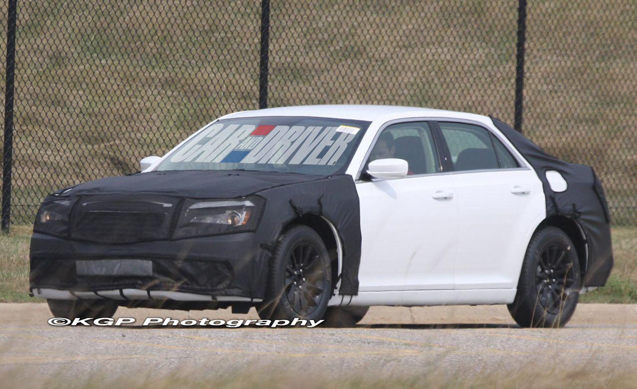 2011 Chrysler 300 / 300C Spy Photos