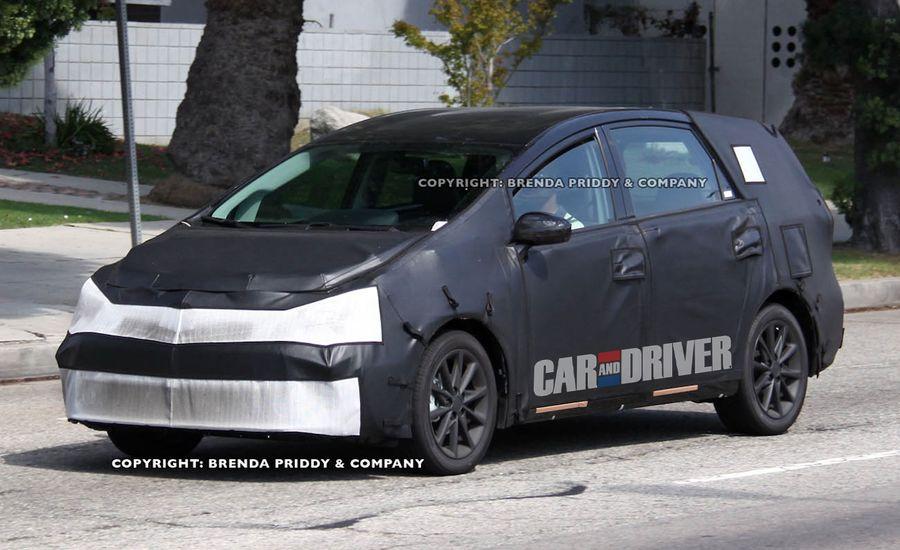 2012 Toyota Prius MPV Spy Photos