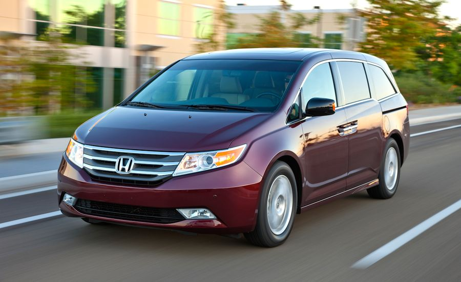 honda odyssey review 2011 honda odyssey first drive car and driver. Black Bedroom Furniture Sets. Home Design Ideas