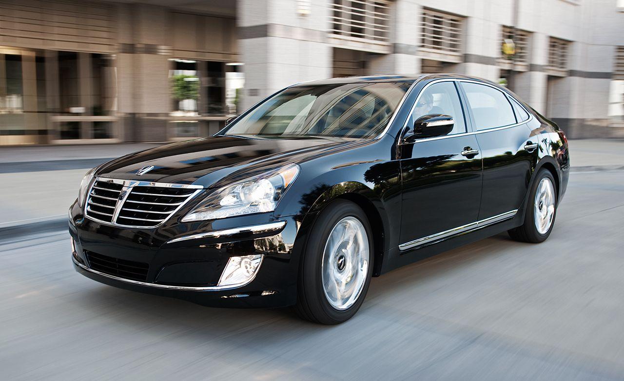 Hyundai equus car and driver