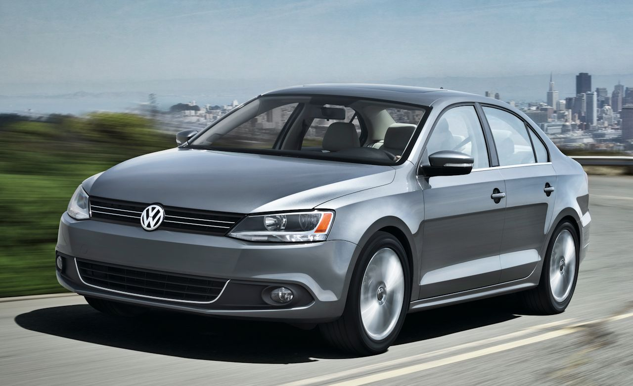 volkswagen jetta review 2011 volkswagen jetta first drive car and driver. Black Bedroom Furniture Sets. Home Design Ideas