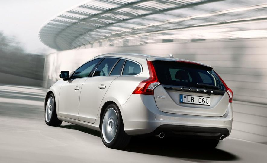 2011 Volvo V60 - Slide 5