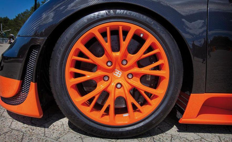 2011 Bugatti Veyron 16.4 Super Sport - Slide 16