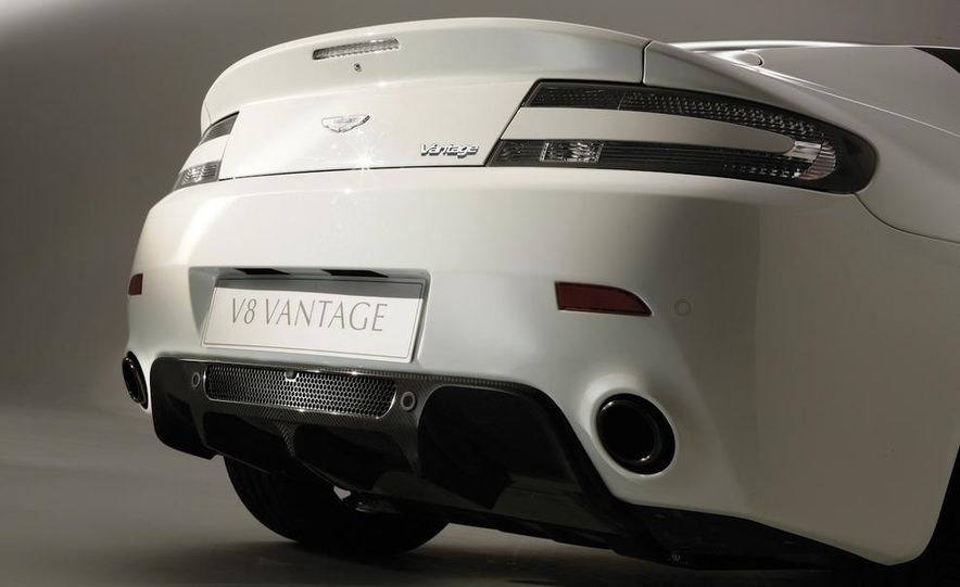 2011 Aston Martin V-8 Vantage N420 - Slide 5