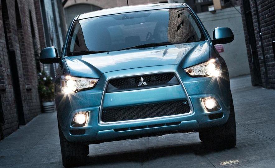 2011 Mitsubishi Outlander Sport - Slide 5