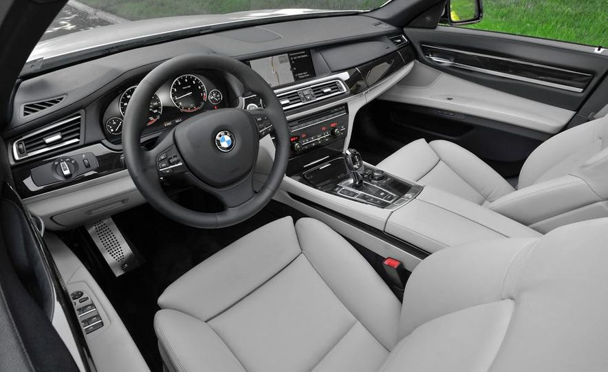 2011 BMW 740i with M Sport Package - Slide 23