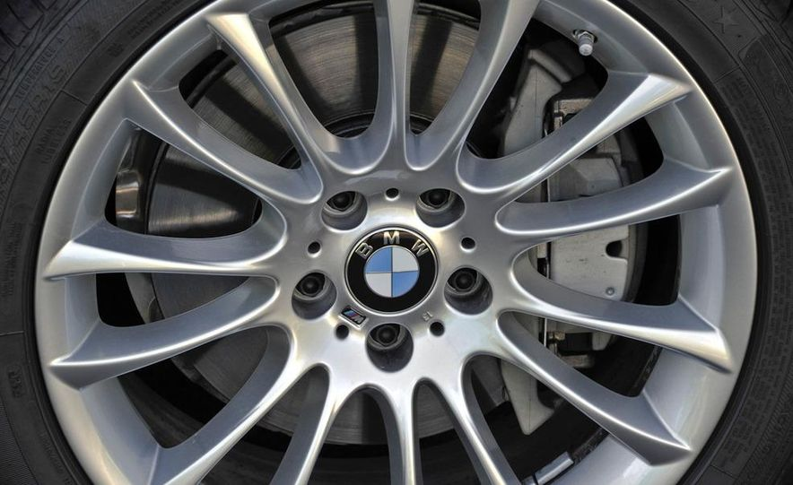 2011 BMW 740i with M Sport Package - Slide 22