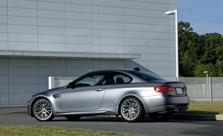 2011 BMW M3 GTS - Slide 19