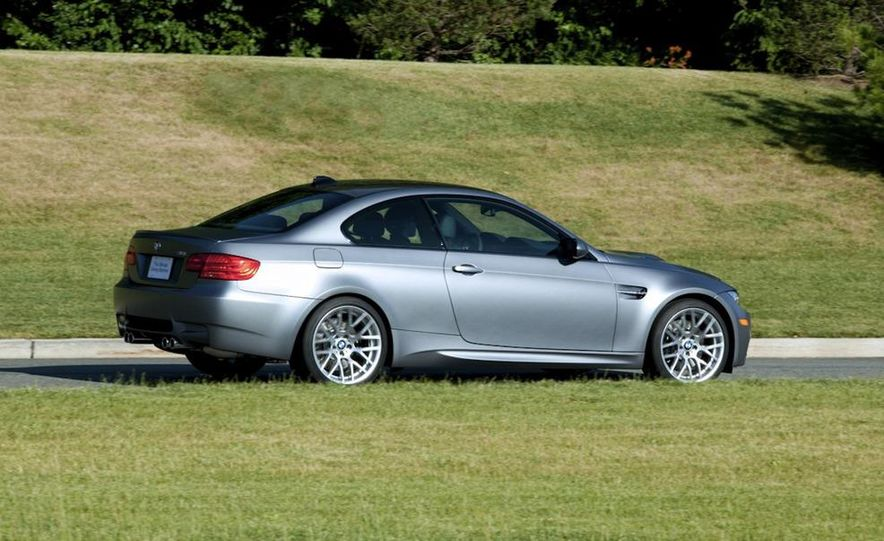 2011 BMW M3 GTS - Slide 24
