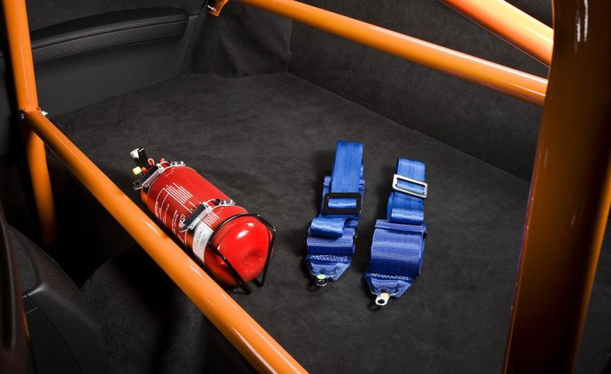 2011 BMW M3 GTS - Slide 17
