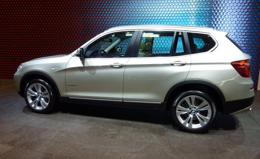 2011 BMW X3 xDrive20d - Slide 3