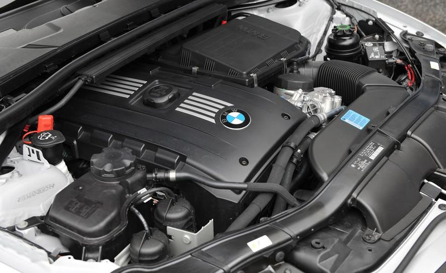 2011 BMW 335is coupe - Slide 38